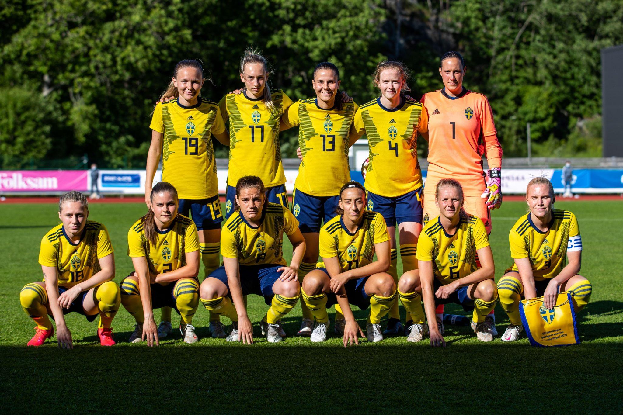Jong Zweden (vrouwen) te gast bij Rood-Wit